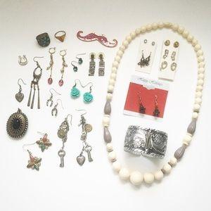 Jewelry - 🚨DONATING 6/15/18🚨 HUGE JEWELRY LOT • 20+ ITEMS!
